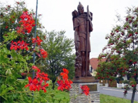 Szent Flórián (a tűzoltók védőszentje) szobra. társkeresés - társkeresők - fényképes - keresztény - keresztyény - külföldi - nemzetközi - hirdetések