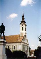 A bajai Szent Péter és Pál (Belvárosi) templom. társkeresés - társkeresők - fényképes - keresztény - keresztyény - külföldi - nemzetközi - hirdetések